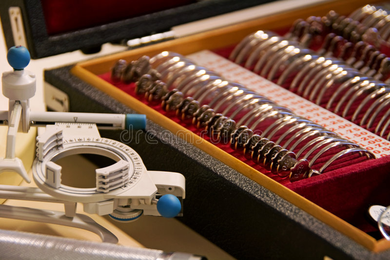 Instrumentos de doutor de olho imagens de stock