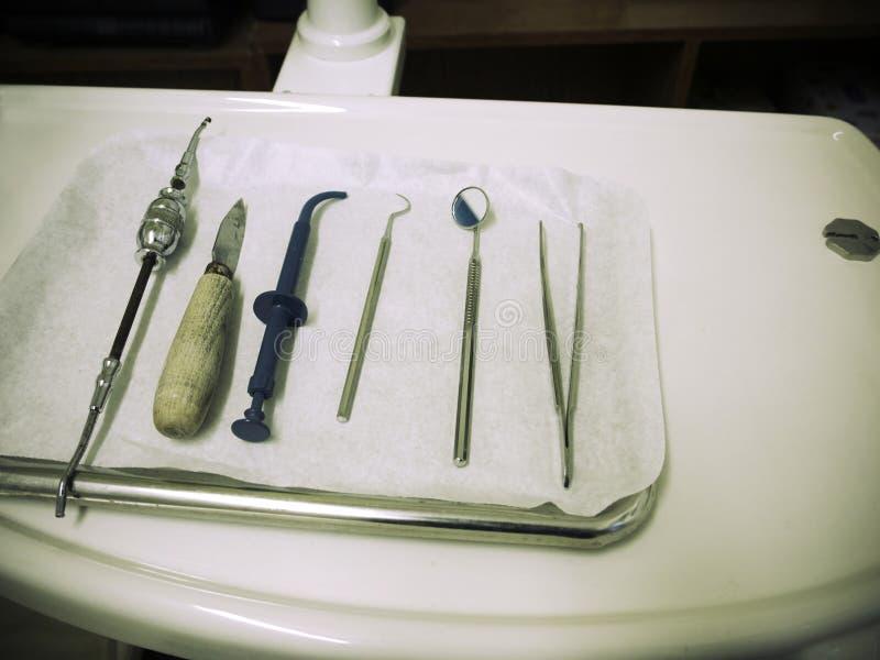 Instrumentos de la odontología imagen de archivo libre de regalías