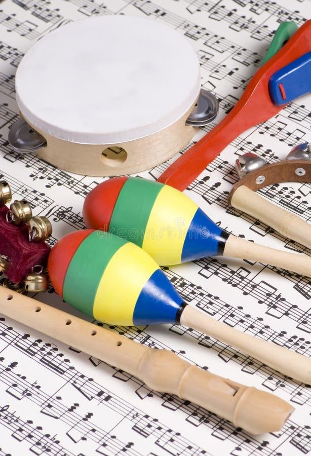 Instrumentos de los niños imágenes de archivo libres de regalías