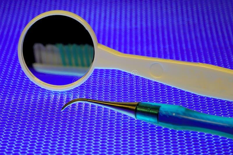 Instrumentos dentales fotografía de archivo libre de regalías