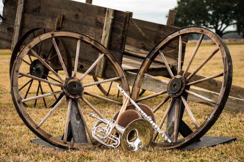 Instrumentos viejos del oeste y de la banda fotos de archivo libres de regalías