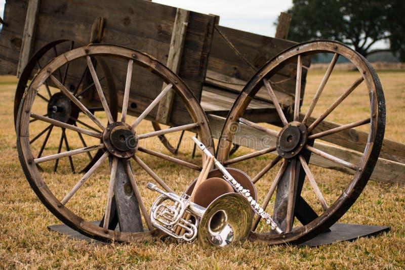 Instrumentos viejos del oeste y de la banda imágenes de archivo libres de regalías