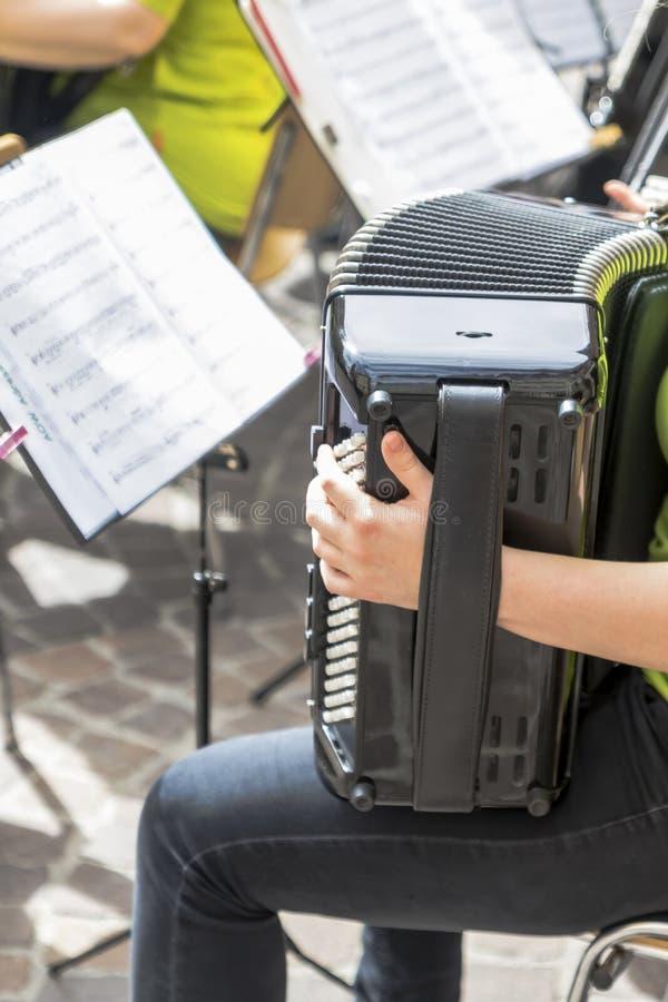 Instruments de musique d'une bande photo stock