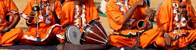 Instrumenty Muzyczni muzyka ludowa Haryana, India obraz stock
