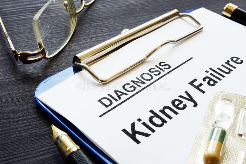 Insuficiencia renal y pluma de la diagnosis fotografía de archivo