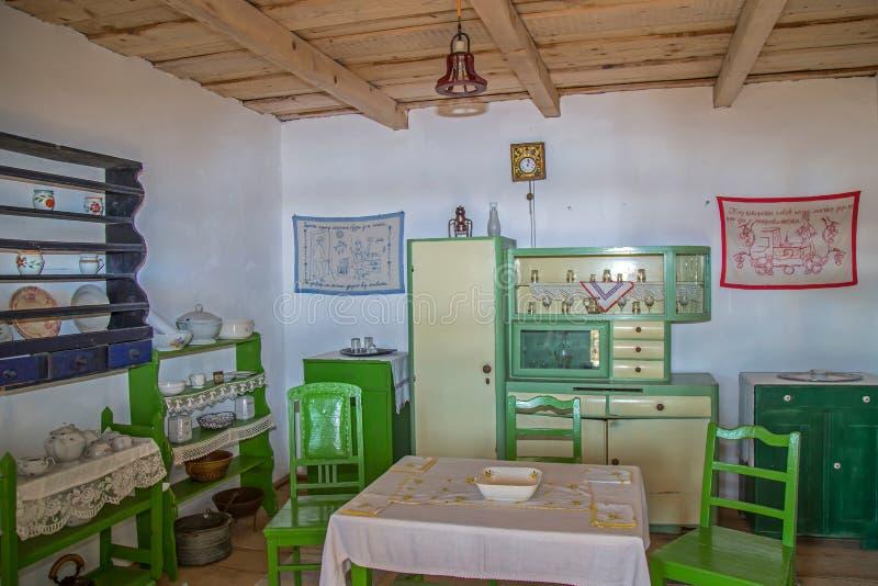 Intérieur à une ferme d'ethnics ukrainien dans l'enregistrement de Maramures images stock