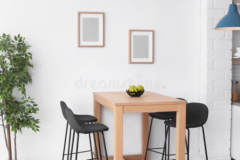 Intérieur élégant de salle à manger photographie stock