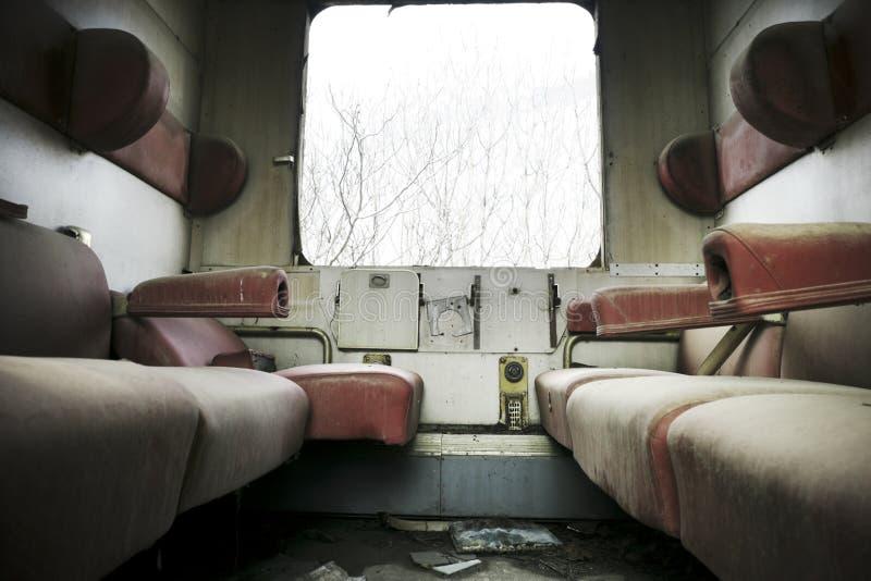 Intérieur abandonné de train photo libre de droits