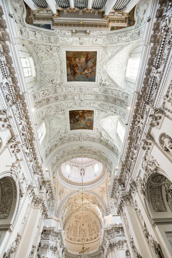 Intérieur baroque images libres de droits