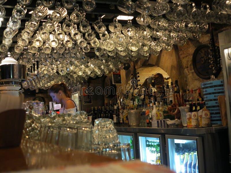 Intérieur bavarois de bar photographie stock