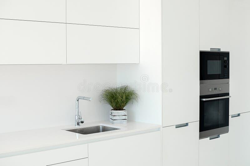 Intérieur blanc Conception intérieure de Minimalistic Fourrure moderne images stock