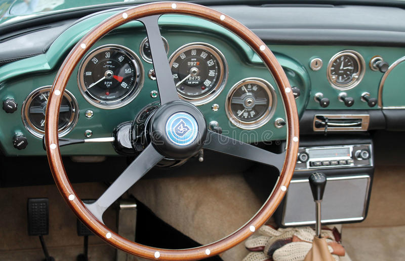 Intérieur classique d'Aston Martin images stock