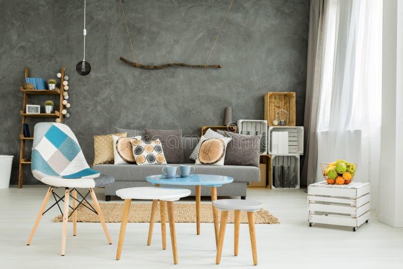 Intérieur complètement des meubles modernes image libre de droits