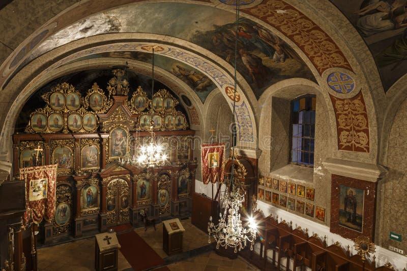 Intérieur d'église orthodoxe roumaine images stock
