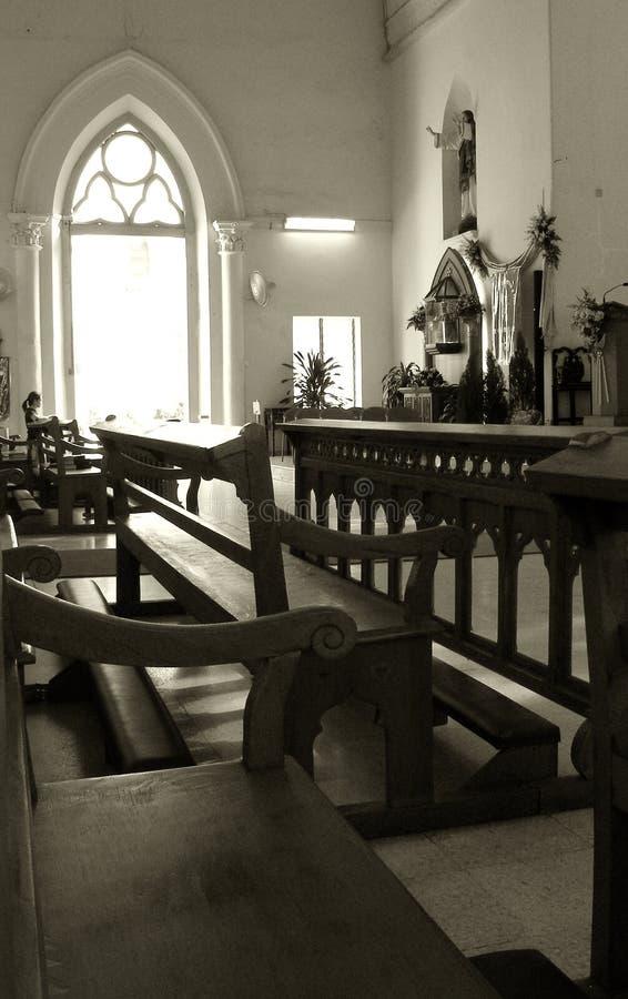Intérieur d'église, vieil historique photos stock