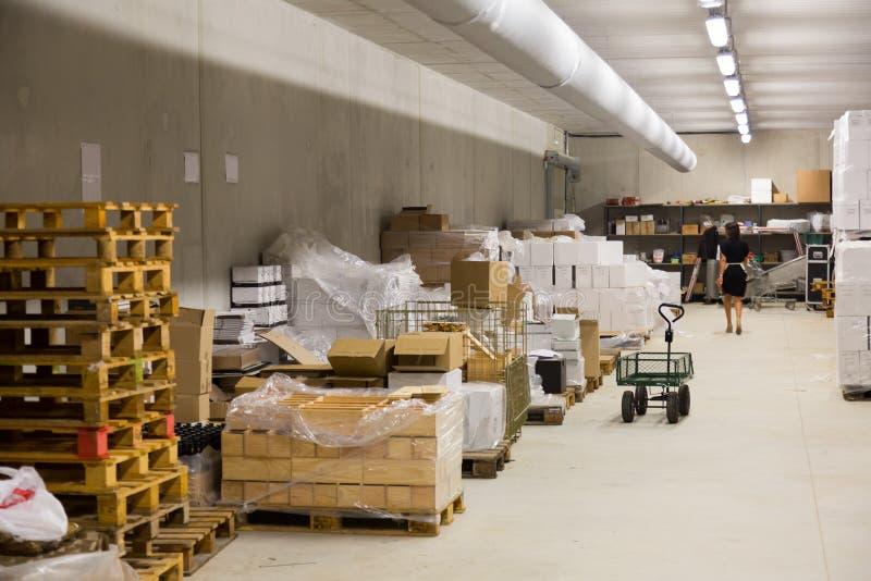 Intérieur d'entrepôt photos stock