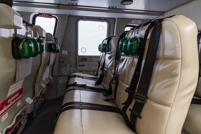 Intérieur d\'hélicoptère image stock. Image du transport - 106497525