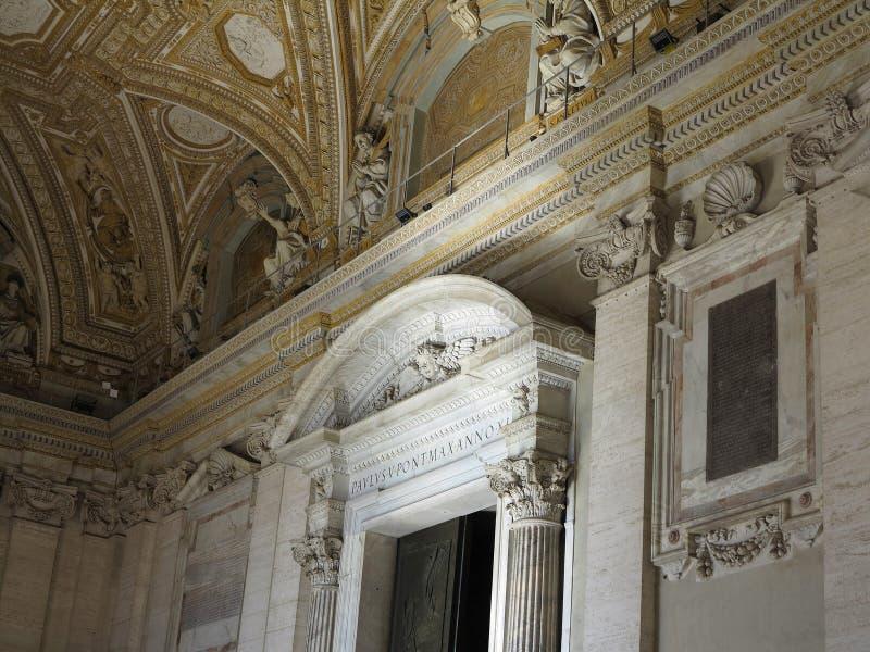 Intérieur d'intérieur de St Peter et de x27 ; basilique de s, Ville du Vatican, Rome photo stock