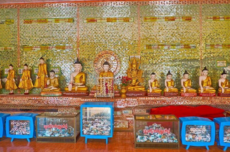 Intérieur d'U Min Thonze Temple, Sagaing photo libre de droits