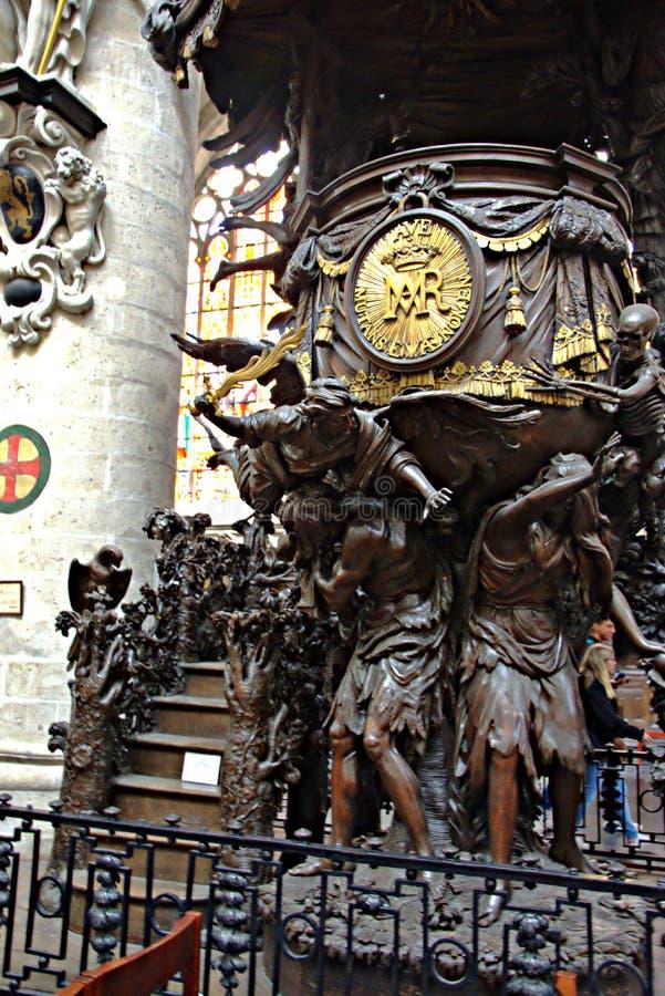 Intérieur d'une église - 45 images libres de droits