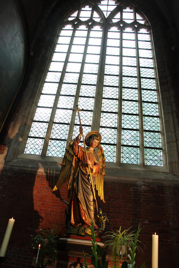 Intérieur d'une église - Sculptures 55 photos stock