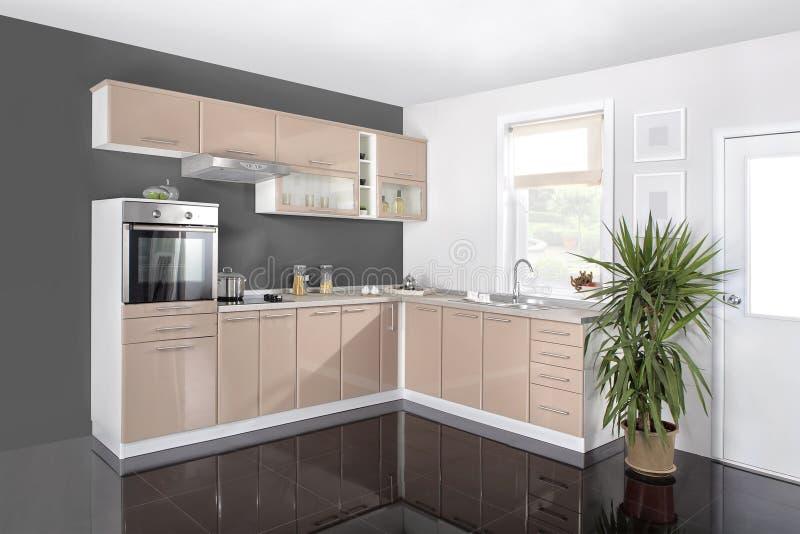 Intérieur d'une cuisine moderne, meubles en bois, simple et propre photo stock