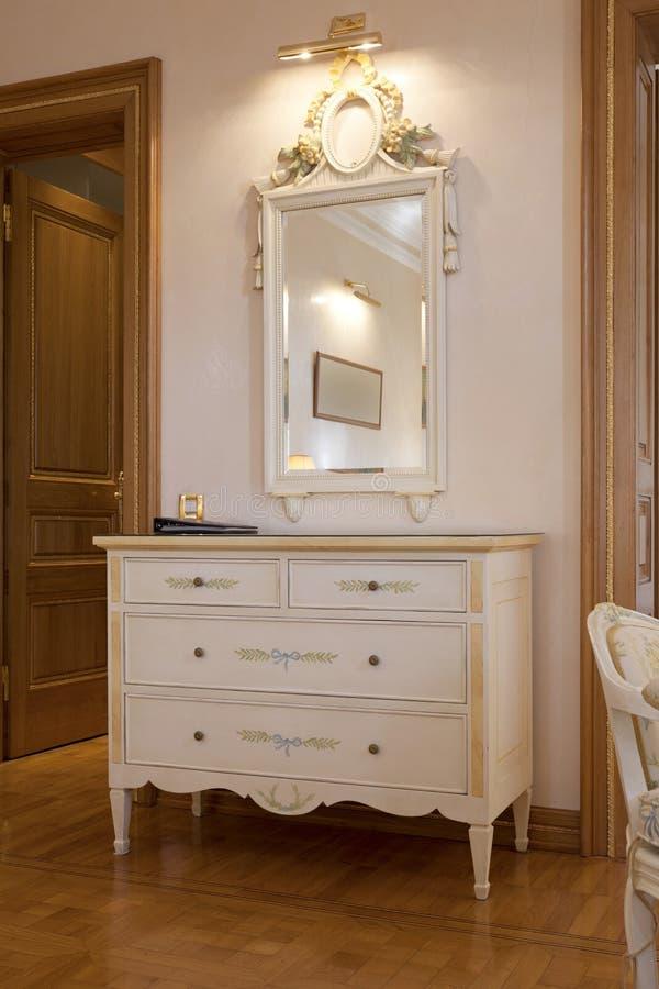 Download Intérieur D'une Salle Classique De Style Image stock - Image du plancher, blanc: 45369045
