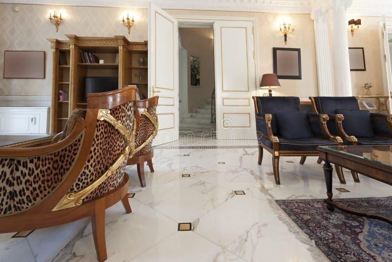 Download Intérieur D'une Villa De Luxe Photo stock - Image du durée, finances: 45369578