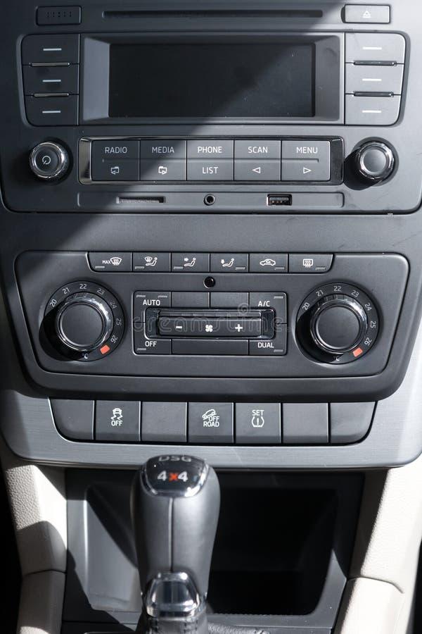Intérieur d'une voiture images stock