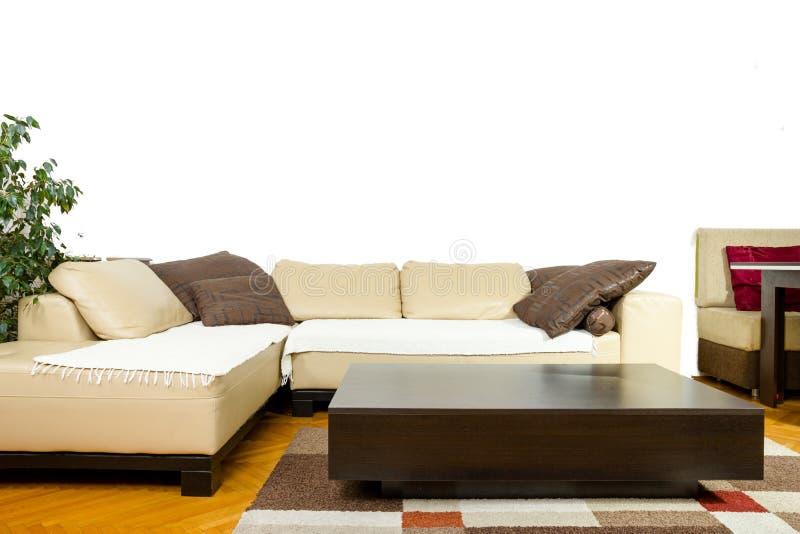 Intérieur dans la conception moderne et classique, disposition amicale de meubles image libre de droits