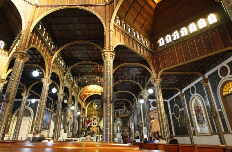 Intérieur de basilique dans Cartago, Costa Rica photographie stock libre de droits
