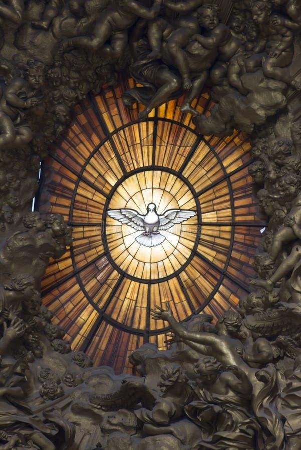 Intérieur de basilique de St Peter s, Vatican, Rome photographie stock