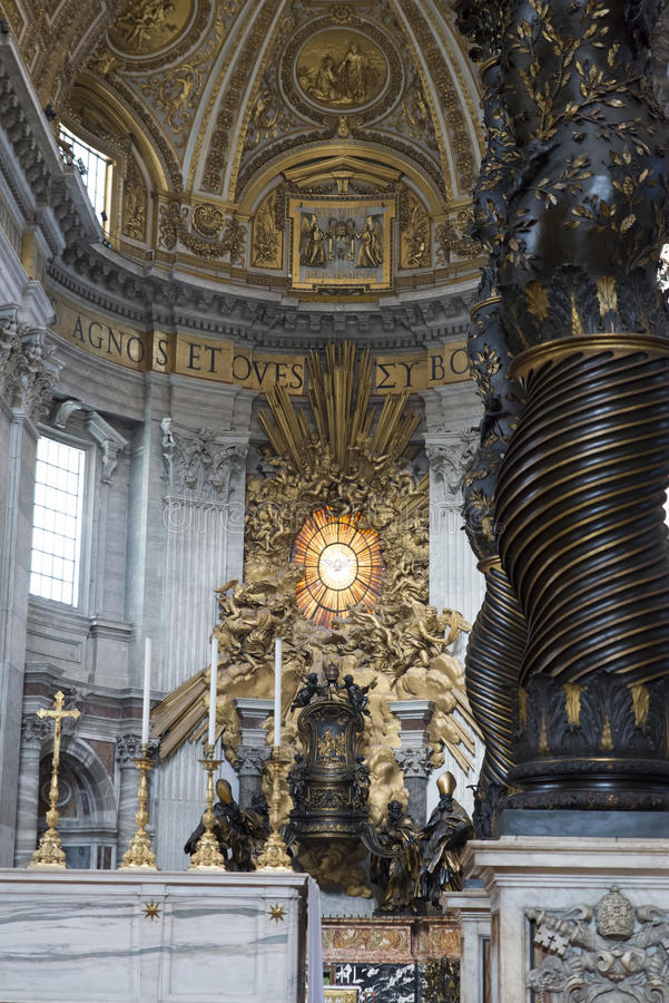 Intérieur de basilique de St Peter s, Vatican, Rome photo libre de droits