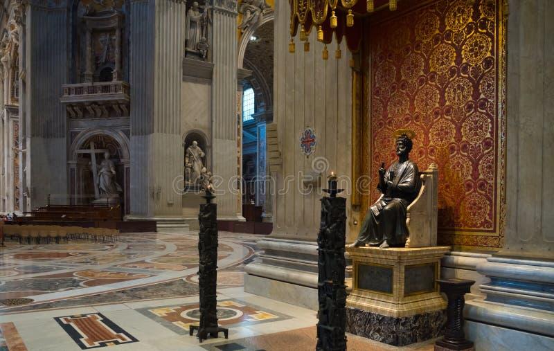 Intérieur de basilique du ` s de St Peter photographie stock