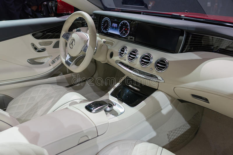 int rieur de cabriolet du s s650 de mercedes maybach photo ditorial image du affaires. Black Bedroom Furniture Sets. Home Design Ideas