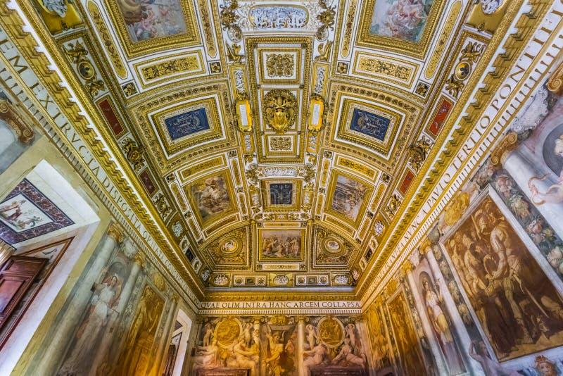 Intérieur de Castle de Sant Angelo à Rome Italie images libres de droits
