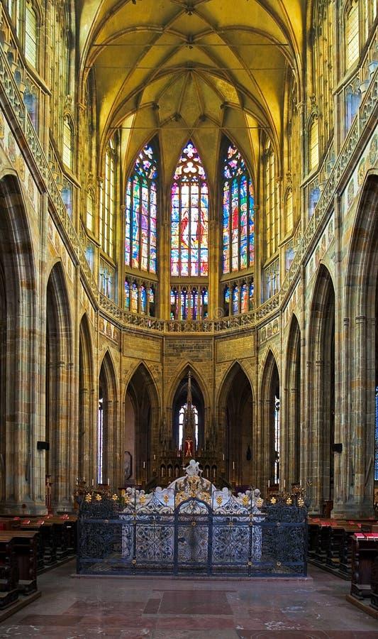 Intérieur de cathédrale de rue Vitus à Prague image libre de droits