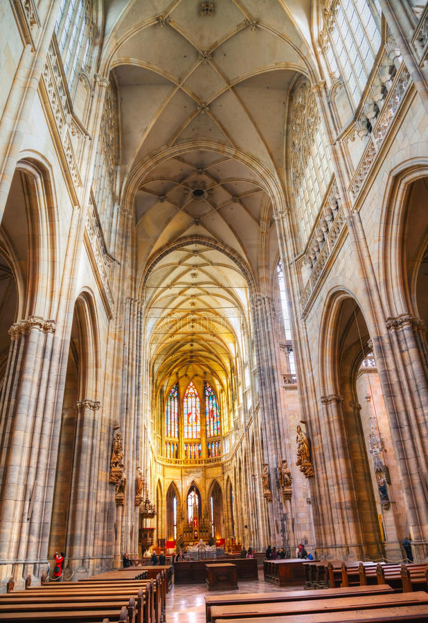 Intérieur de cathédrale de St Vitus à Prague image libre de droits