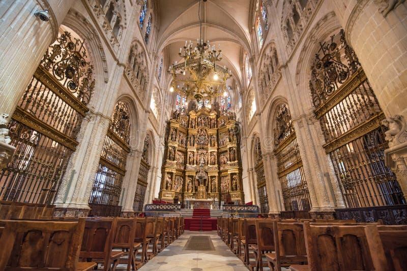 L`ESPAGNE – MOEURS ET PAYSAGES - avec les traditions catholiques de ce pays Intérieur-de-cathédrale-gothique-de-burgos-de-point-de-repère-célèbre-78458249