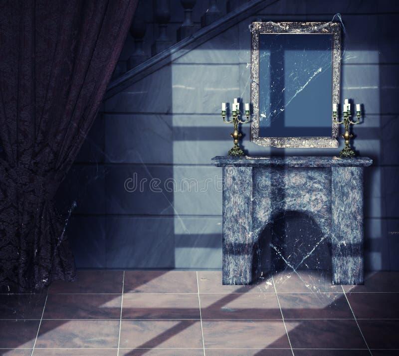 Intérieur de château abandonné vieille par obscurité images libres de droits