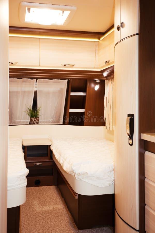 int rieur de chambre coucher de caravane r sidentielle image stock image du inside. Black Bedroom Furniture Sets. Home Design Ideas