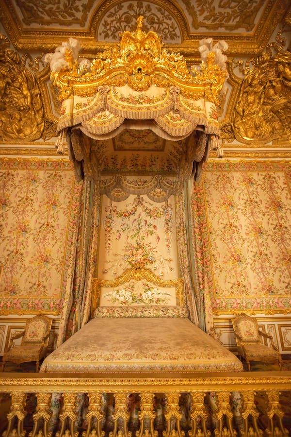 Intérieur de chambre à coucher royale au palais de Versailles à Paris, France image stock
