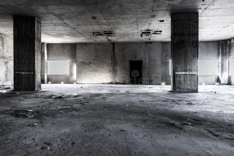 Intérieur de construction abandonné photographie stock