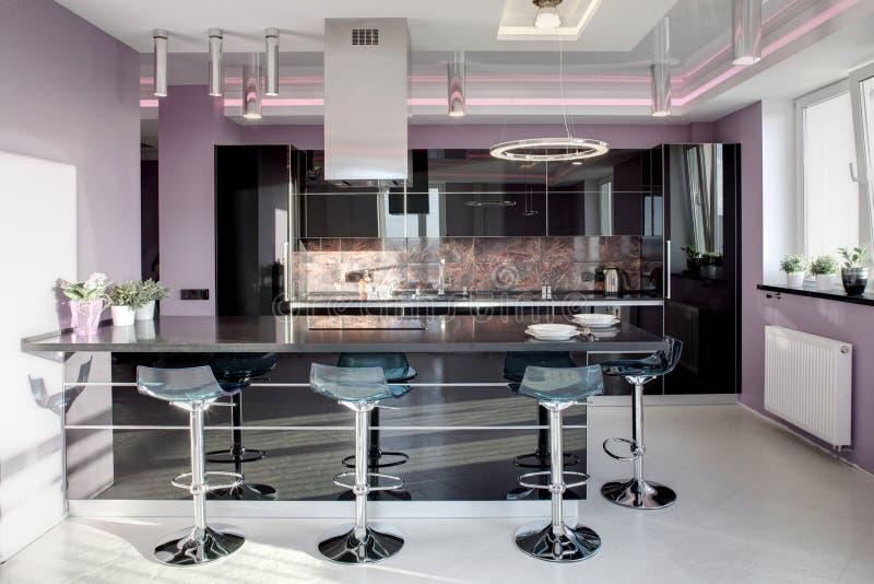 Moderne Accessoires intérieur de cuisine européenne moderne image stock image du