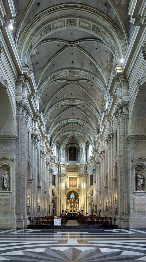 Intérieur de l'église de Peter de saint à Gand images stock