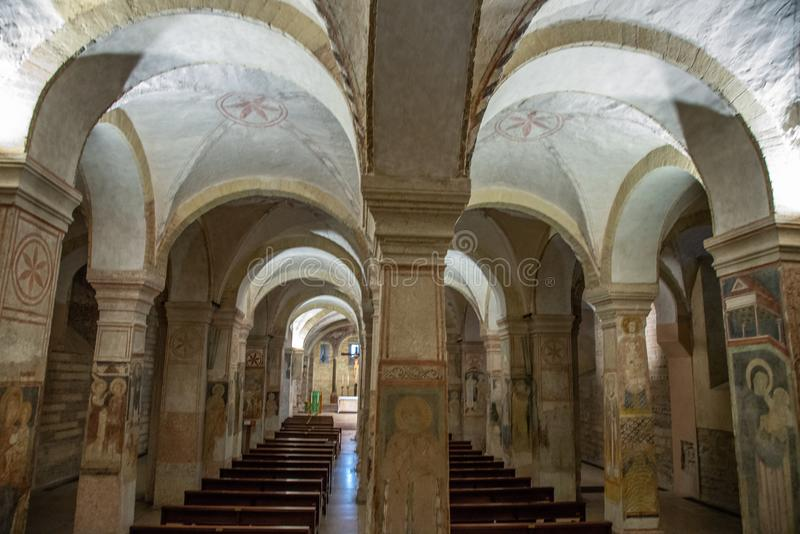 Intérieur de l'église inférieure de San Fermo Maggiore, Vérone, Italie photos stock