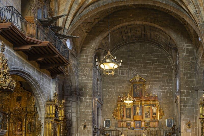 Intérieur de l'église de San Juan Bautista à Avila, Espagne photos stock