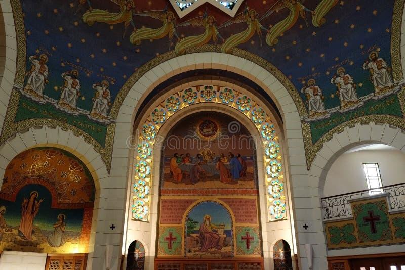 Intérieur de l'église de St Peter dans Gallicantu photos stock