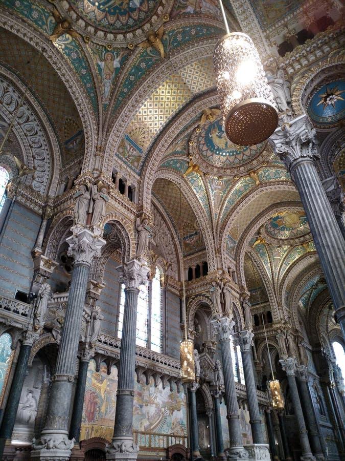 Intérieur de la Basilique Notre-Dame de Fourvière à Lyon, France image libre de droits