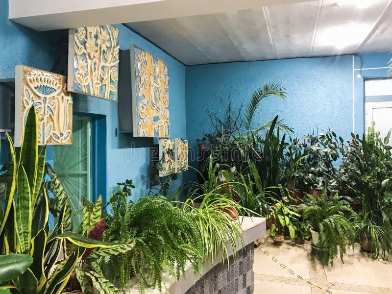 Intérieur de la salle de pompe potable dans Pyatigorsk photographie stock libre de droits